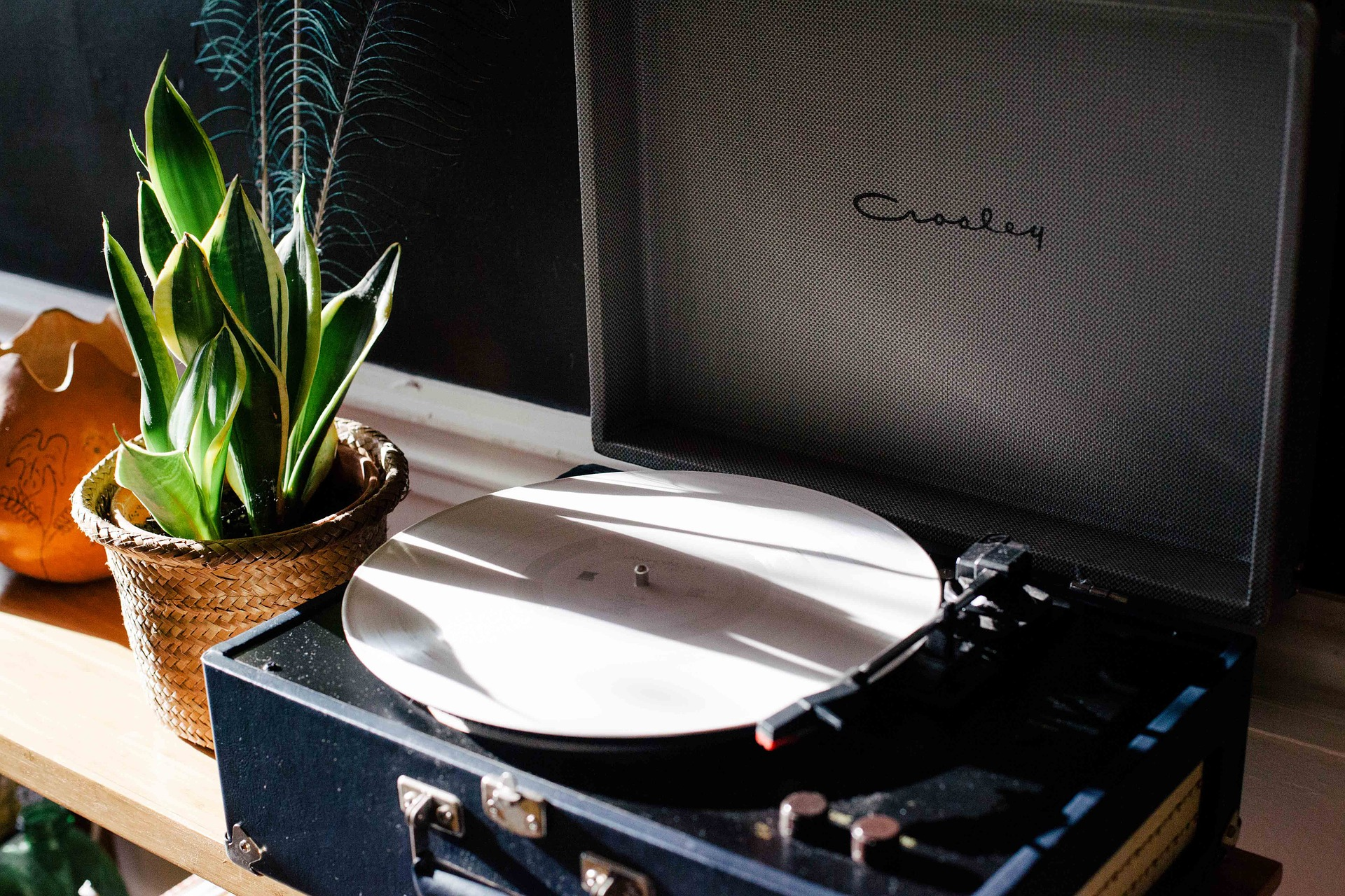 12 Best Portable Record Players – Good Vibes on the Go